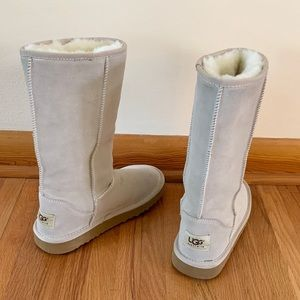 Ugg classic tall boots - sand - size 6